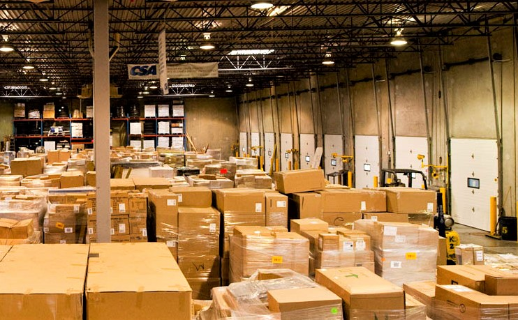 What Factors Contribute to the Cost of Shipping a Large Item