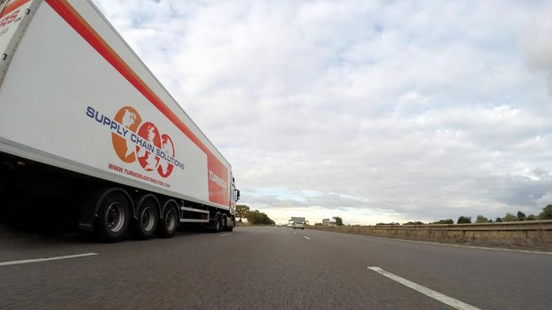 freight forwarder vs customs broker